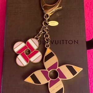Louis Vuitton Accessories - Louis Vuitton Pop Flowers Bag Charm